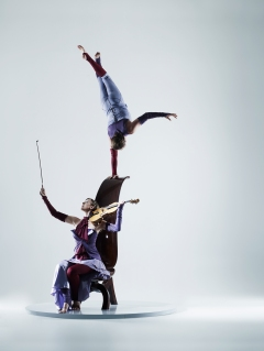Stunning love story depicted through music and acrobalance.